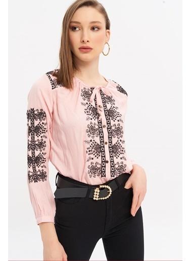 ESQ Siyah Nakışlı Çıtçıtlı Bluz Pudra